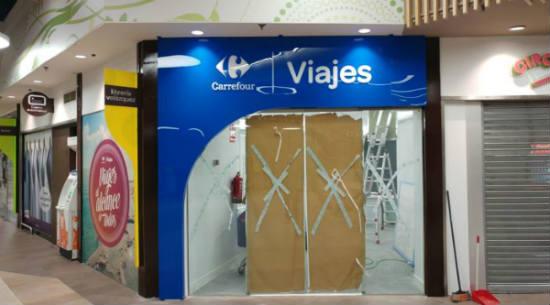 Producción y montaje de vinilos, corpóreos y rótulos par tienda