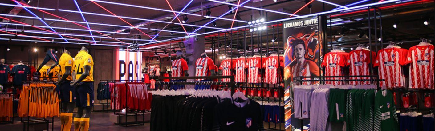 Montaje tienda Nike en el estadio Wanda Metropolitano